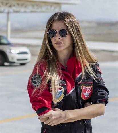 İşte ilk kadın akrobasi pilotu - Page 2