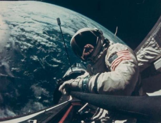 İşte ilk uzay selfiesi - Page 2