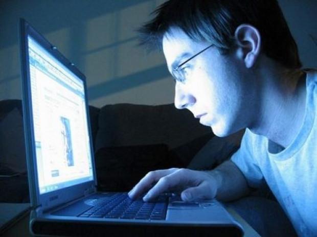 İşte internetin beraberinde getirdiği hastalıklar! - Page 3