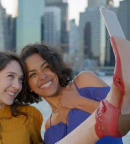 """İşte karşınızda """"Selfie Ayakkabısı"""" - Page 1"""