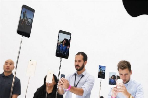 İşte metrelerce uzayan iPhone 6 kuyrukları! - Page 3