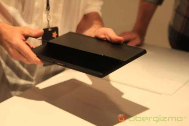 İşte Microsoft'un iPad'e rakip tableti Surface! - Page 1