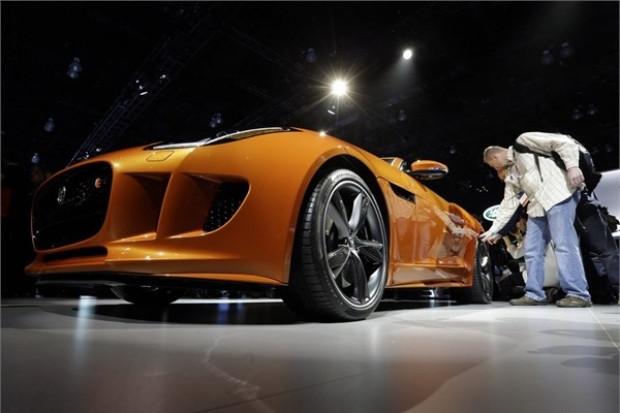 Jaguar, Ferrari'ye kafa tutuyor! - Page 1