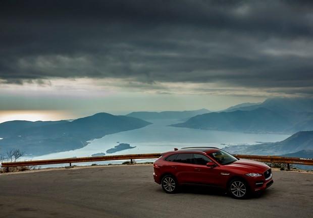 Jaguar'ın ilk SUV modeli F-Pace ülkemizde! - Page 2