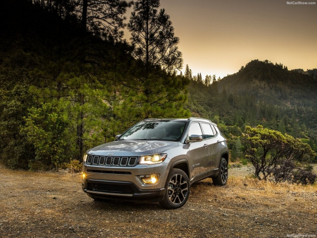 Jeep Compass 2017 - Page 1