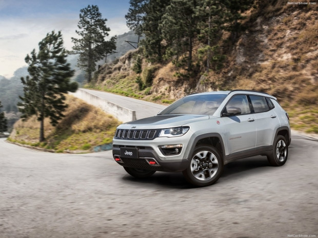 Jeep Compass 2017 - Page 2