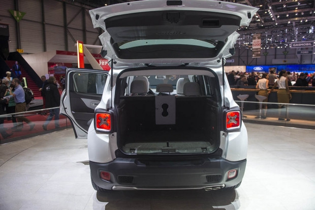Jeep Renegade Fiat'ın yepyeni konsepti! - Page 1