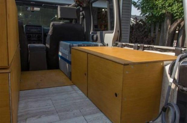 Jeep Wrangler model aracını muhteşem bir eve çevirdi - Page 3