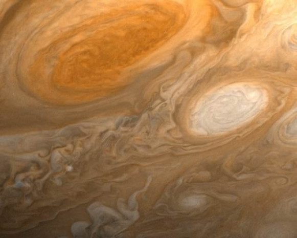 Jüpiter'den ilk görüntü dünyaya ulaştı - Page 4