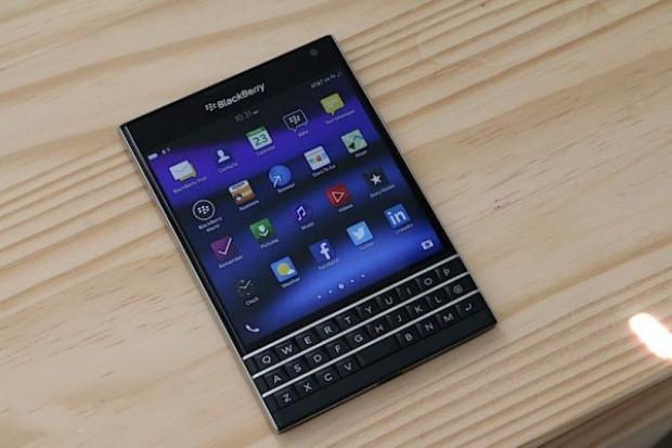 Karşınızda BlackBerry Passport - Page 3