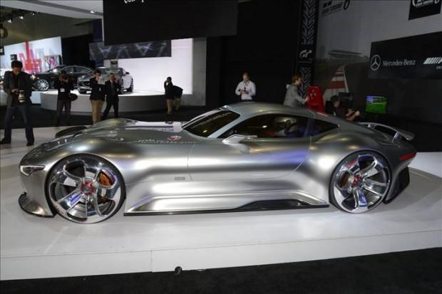 Karşınızda Mercedes-Benz Vision Gran Turismo Konsept - Page 1