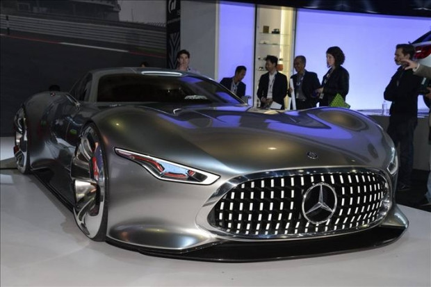 Karşınızda Mercedes-Benz Vision Gran Turismo Konsept - Page 3