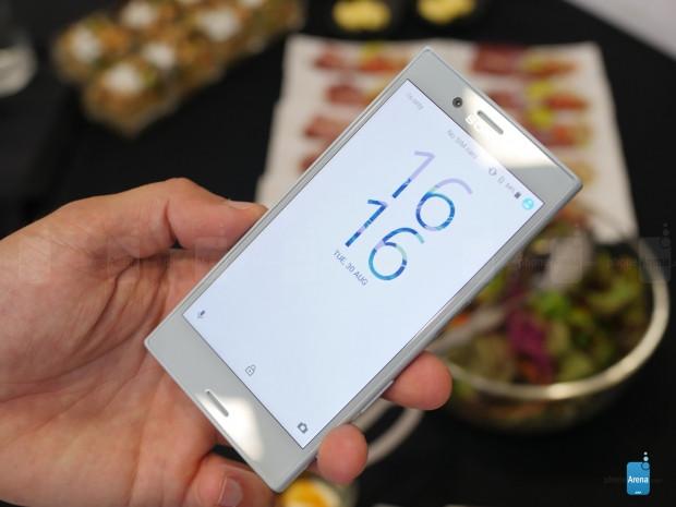 Karşınızda Sony Xperia X Compakt - Page 1