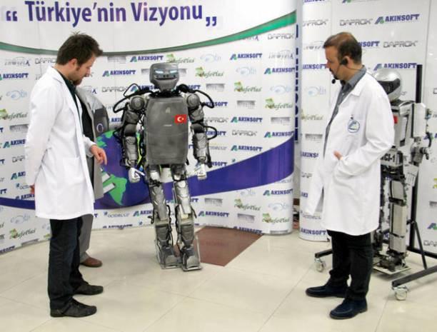 Karşınızda Türkiye'nin ilk insansı robotu AKINCI-2 - Page 2