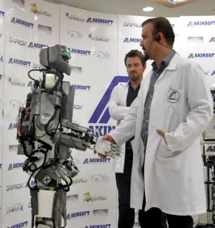 Karşınızda Türkiye'nin ilk insansı robotu AKINCI-2 - Page 3