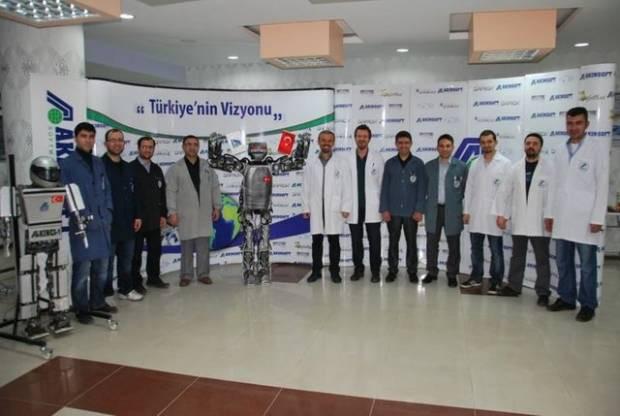 Karşınızda Türkiye'nin ilk insansı robotu AKINCI-2 - Page 4