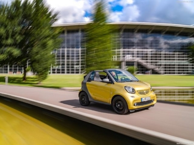 Kendi küçük özellikleri büyük, 2016 Smart fortwo Cabrio - Page 2