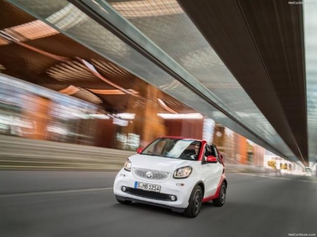 Kendi küçük özellikleri büyük, 2016 Smart fortwo Cabrio - Page 3