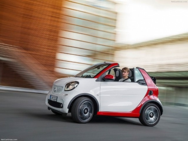 Kendi küçük özellikleri büyük, 2016 Smart fortwo Cabrio - Page 4