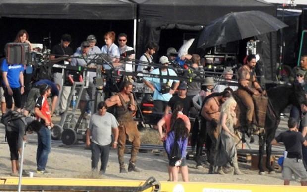 Khal Drogo geri mi dönüyor? - Page 1