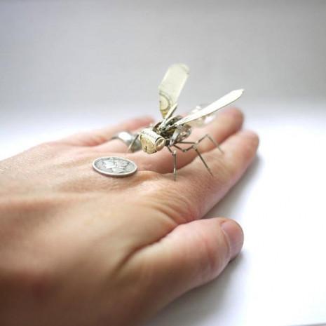 Kol saatinden mekanik böcek yapıyor - Page 1