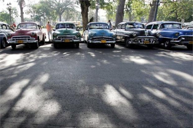 Küba sokaklarında ki klasik otomobiller - Page 1
