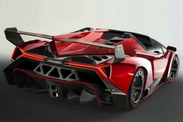 Lamborghini, yeni canavarı Veneno Roadster'ı tanıttı! - Page 1