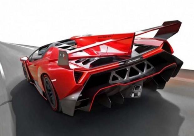 Lamborghini, yeni canavarı Veneno Roadster'ı tanıttı! - Page 4