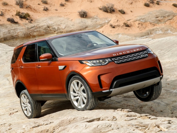 Land Rover Discovery 2017 - Page 4