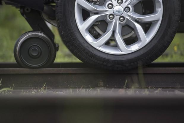 Land Rover Discovery Sport 100 tonluk treni çekerek gücünü kanıtladı - Page 2