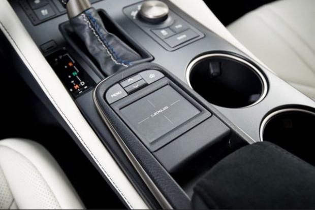 Lexus çatısı altındaki en güçlü V8'i üretti! - Page 1