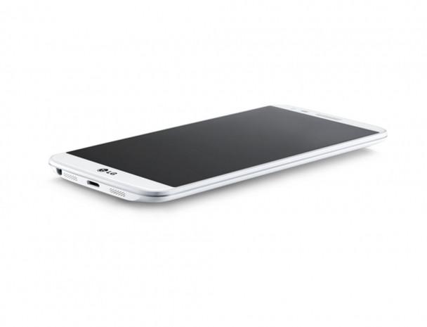 LG G2 en dikkat çeken telefon! - Page 1