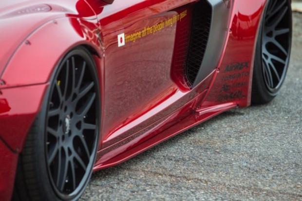 Liberty Walk firması, Audi R8'i değiştirdi! - Page 1