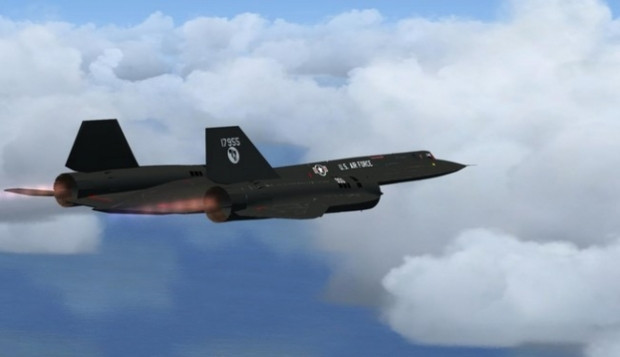 Lockheed SR-71'i vuracak uçak yok - Page 1