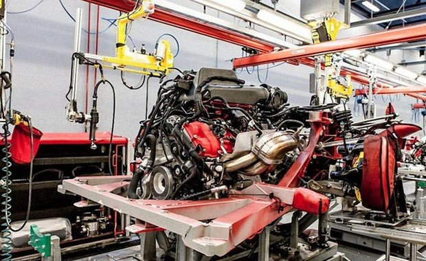 Lüks otomobil markası Ferrari, kapılarını açtı - Page 1