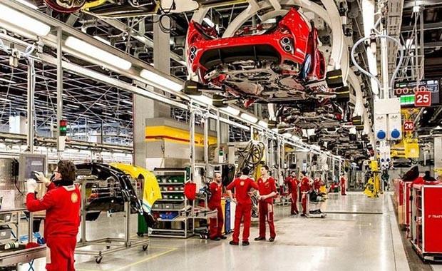 Lüks otomobil markası Ferrari, kapılarını açtı - Page 2