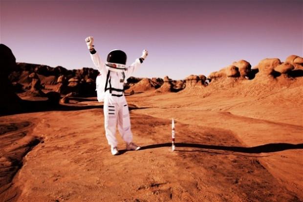 Mars yüzeyinde 35 yıl önce insan gördü! - Page 2