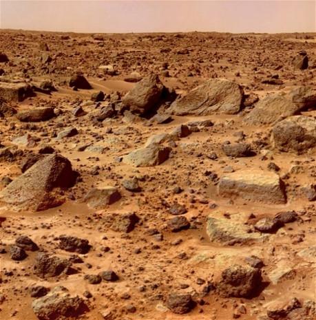 Mars yüzeyinde 35 yıl önce insan gördü! - Page 3