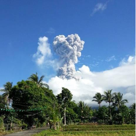 Mayon yanardağı yeniden faliyete geçti - Page 1