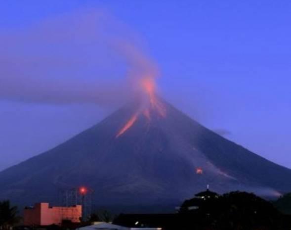 Mayon yanardağı yeniden faliyete geçti - Page 3