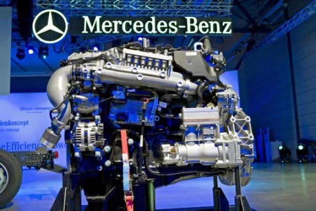 Mercedes 3 devi tanıttı Unimog ve Econic ailesi - Page 3