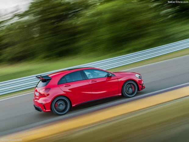 Mercedes-Benz A45 AMG 4Matic 2016 - Page 1
