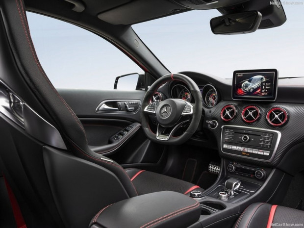 Mercedes-Benz A45 AMG 4Matic 2016 - Page 2