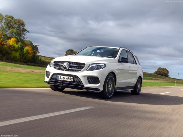 Mercedes-Benz AMG GLE450 4Matic (2016) - Page 4