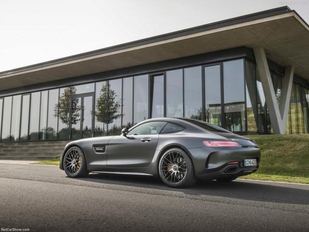 Mercedes-Benz AMG GT C Sürüm 50 2018 - Page 3