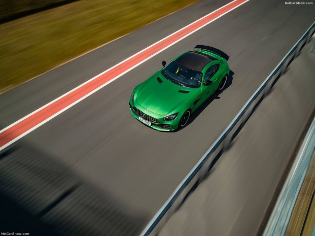 Mercedes-Benz AMG GT R 2017 - Page 2