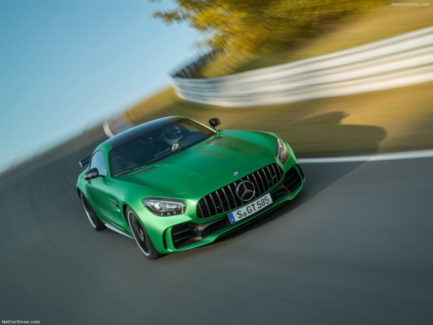Mercedes-Benz AMG GT R 2017 - Page 3