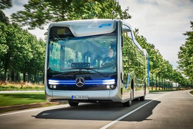 Mercedes-Benz yarının sürücüsüz otobüsünü yaptı - Page 1