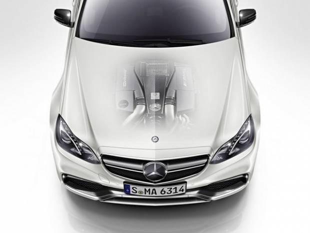 Mercedes E Serisi'nin en yeni versiyonu - Page 1