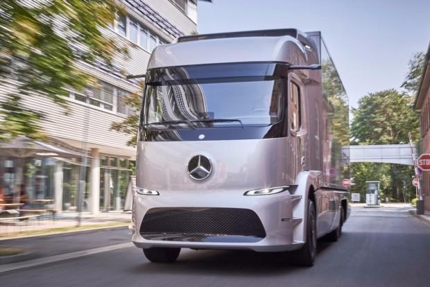 Mercedes eTruck tek şarjla 200 km gidecek - Page 3